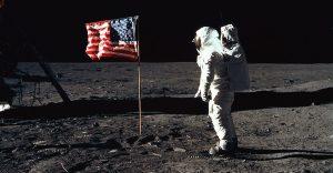 La bandera de EEUU en la Luna